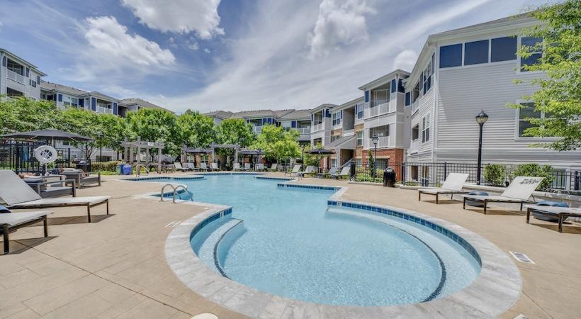 Pool at Southern Oaks Cortland