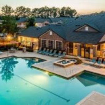 Cary Centerview at Crossroads Furnished Apartments with Outdoor Pool